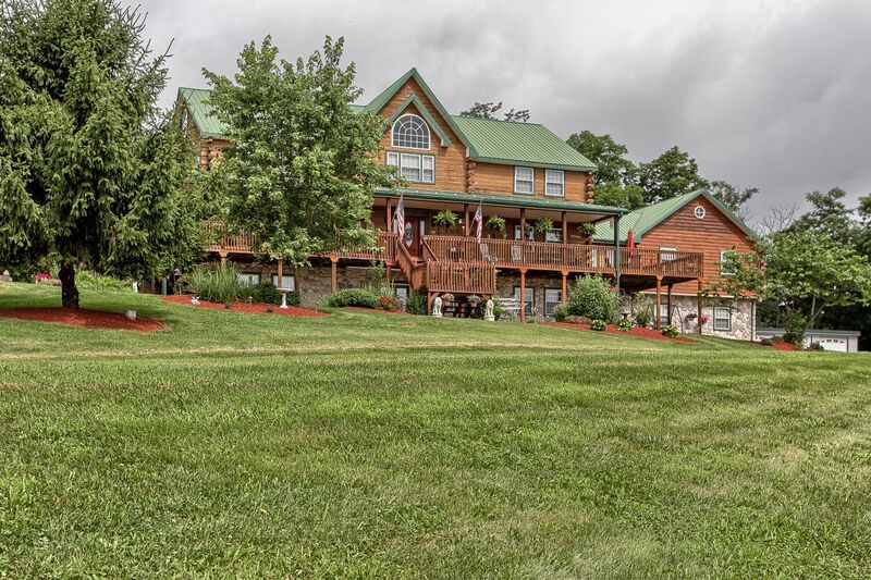 Berry Patch Bed And Breakfast Located Near The Sweetest Place On