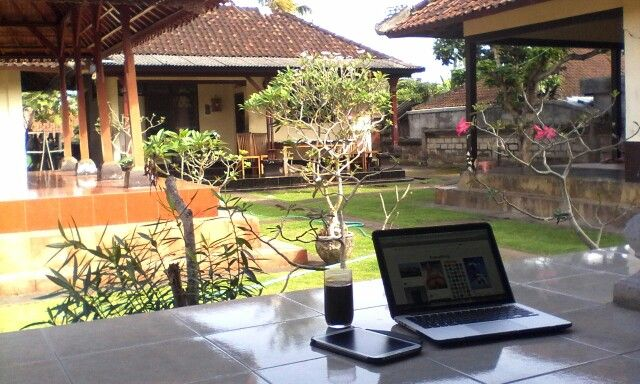 Lazy time with my own Mbp!