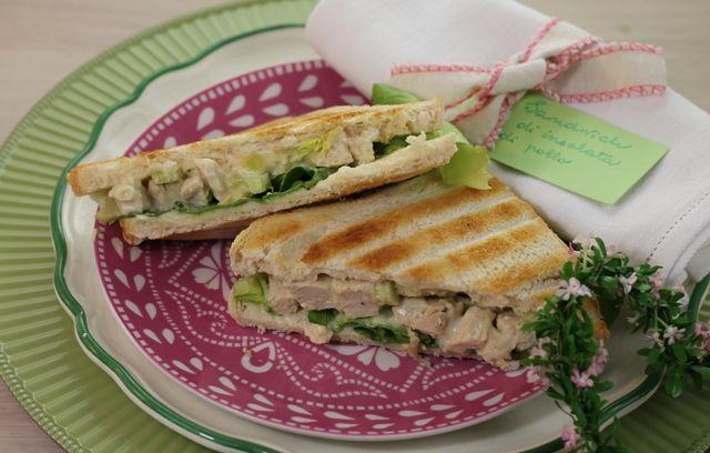 Pranzo Ufficio Idee : Sandwich di insalata di pollo per picnic cene davanti alla tv e