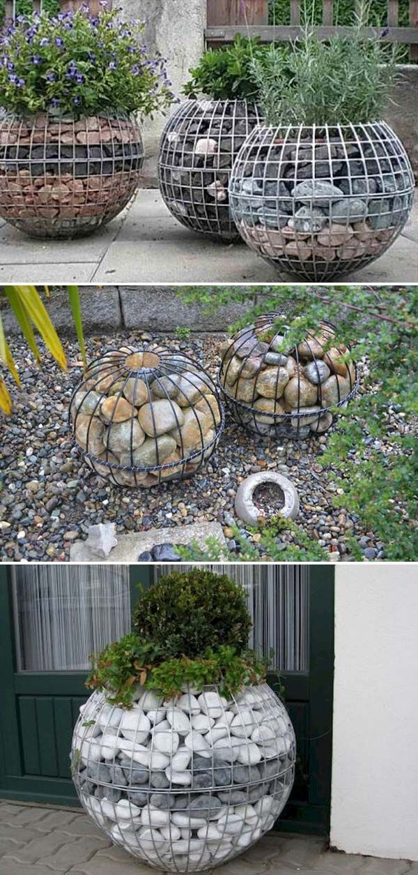 Cool DIY Garden Globes Make Your Garden More Interesting #outdoorgardens