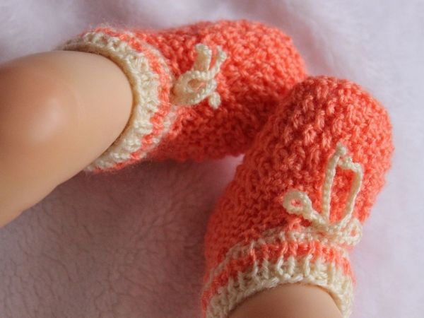 Photo of Free knitting instructions for baby shoes