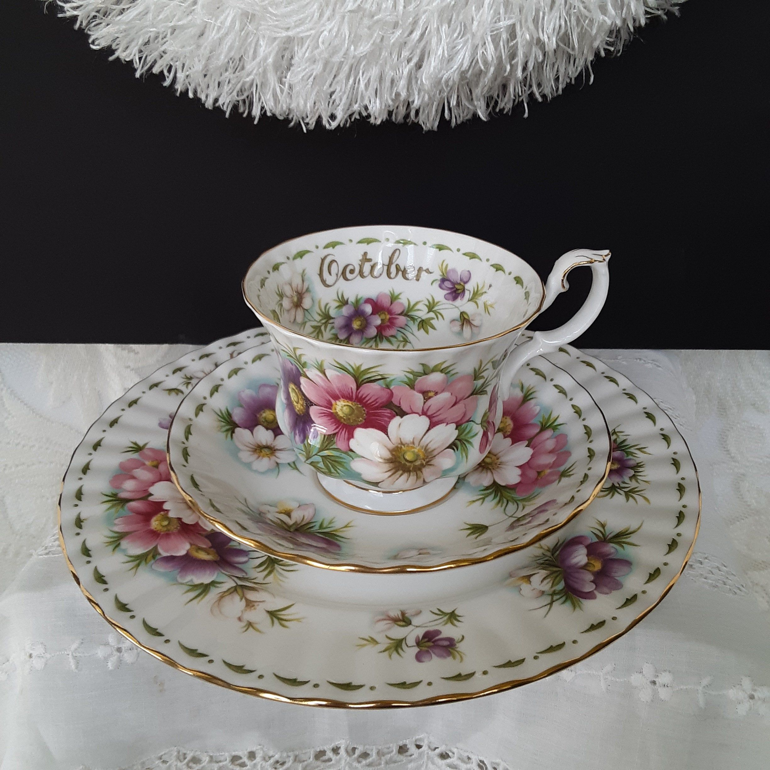 Royal Albert China, October Flower of the Month, Cosmos