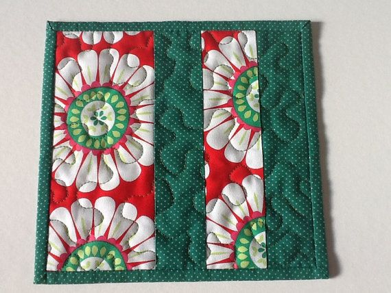 Red and Green Christmas Flower Mug Rug Quilted by Clothstitched
