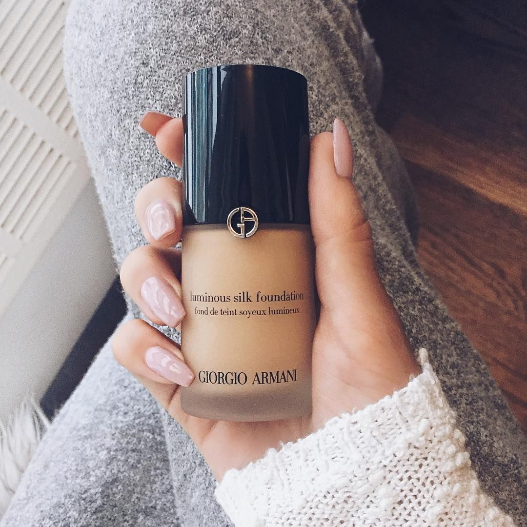 Janice Joostema On Instagram I Use The Giorgio Armani Luminous Silk Foundation In The Shade 5 75 You Can Armani Makeup No Foundation Makeup Pinterest Makeup