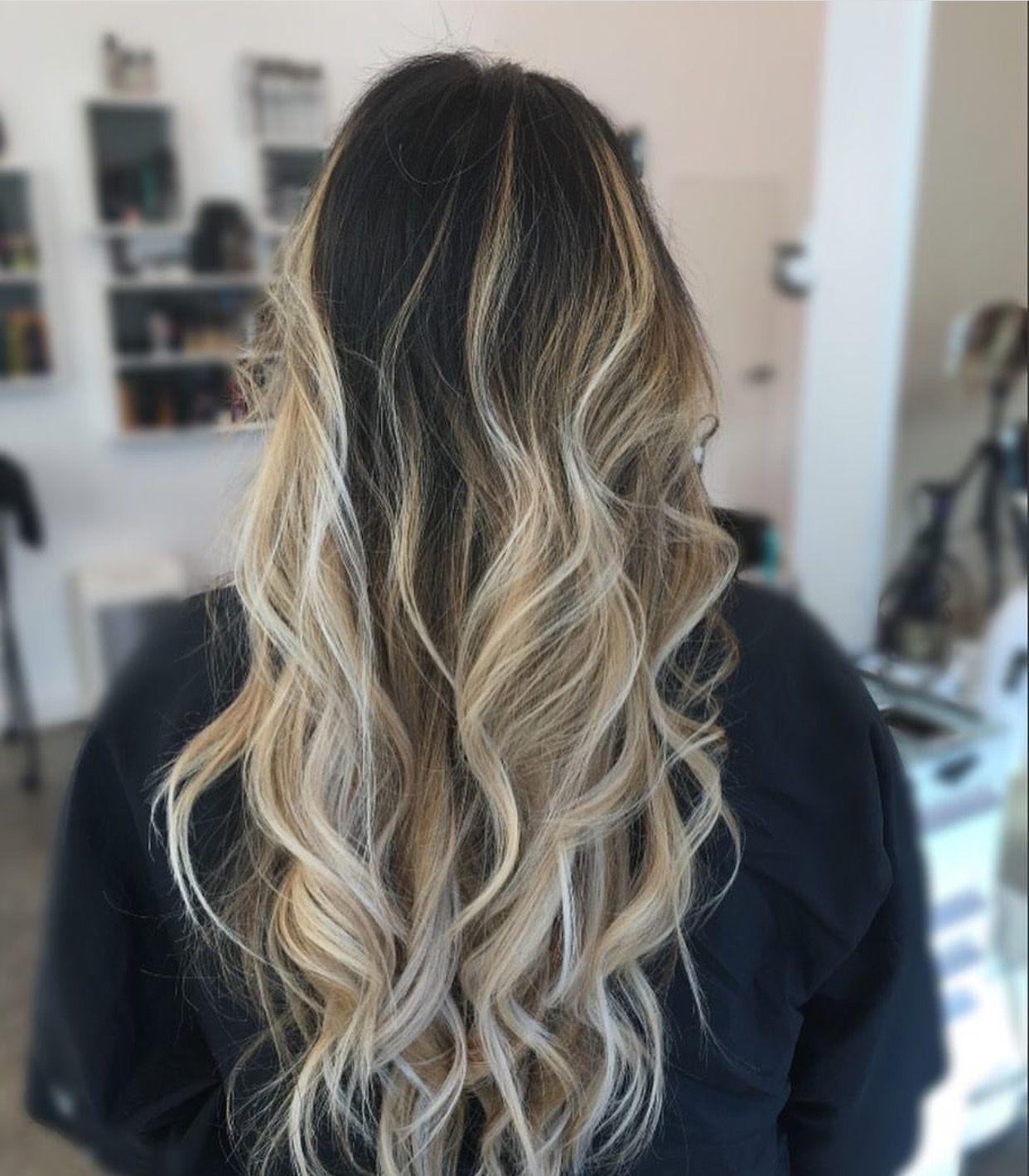 Dark brown to blonde balayage ombré