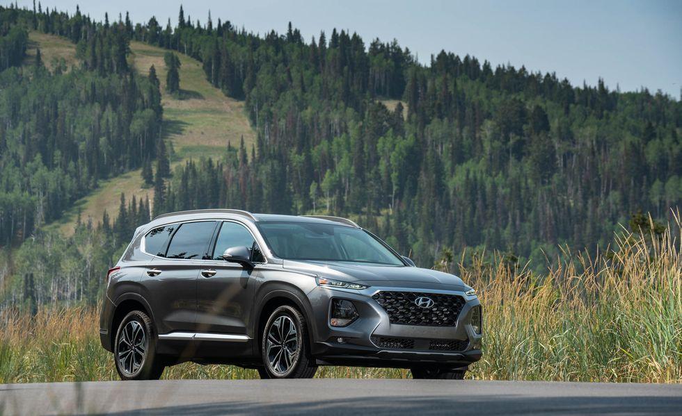 2019 Hyundai Santa Fe Delivers Practical Virtues Photos