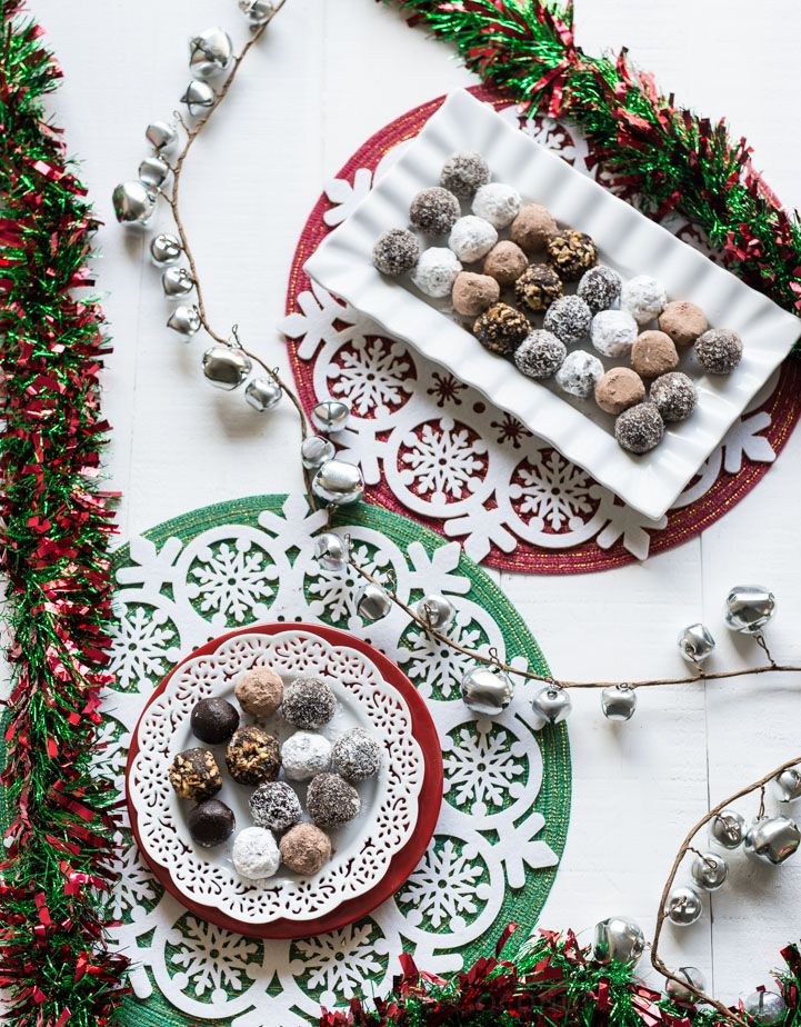 4 Ingredient Christmas Chocolate Rum Balls www.pineappleandcoconut ...