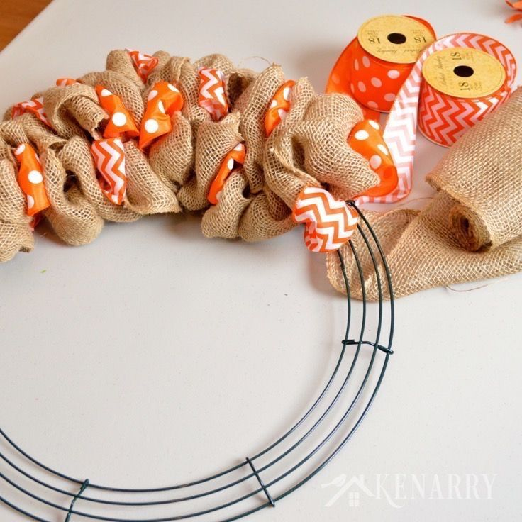 Photo of How to make a jute wreath with an accent ribbon