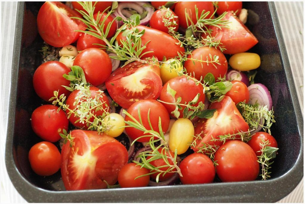 Tomatensosse Aus Dem Backofen Mit Tomaten Krautern Aus Dem Garten Wiewowasistgut Com Rezept Tomatensosse Tomaten Einkochen Tomaten