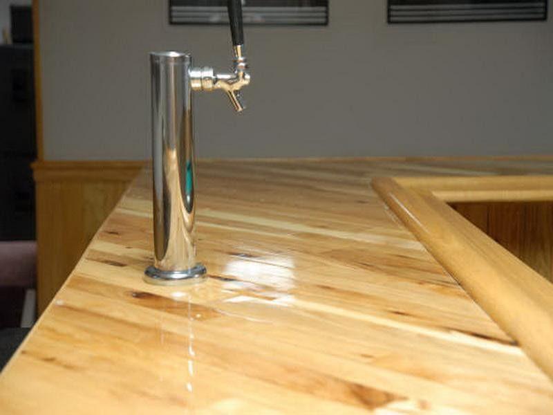 Best Bar Rail Molding Design ~ http://lovelybuilding.com/bar-rail-molding-in-your-dining-room/