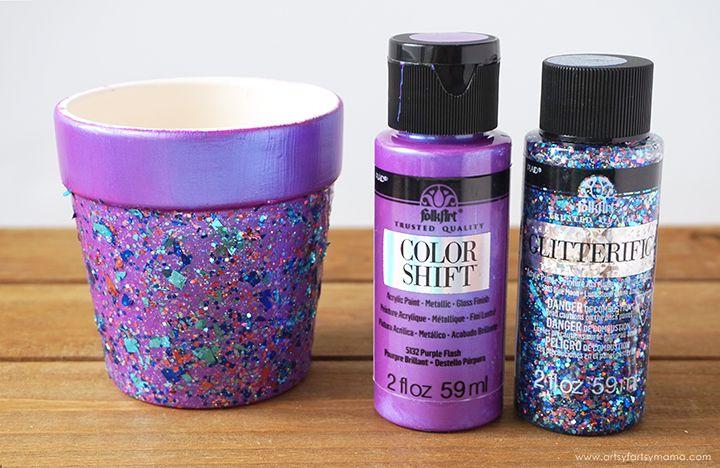 DIY Glitter Flower Pots #flowerpotsoutdoor