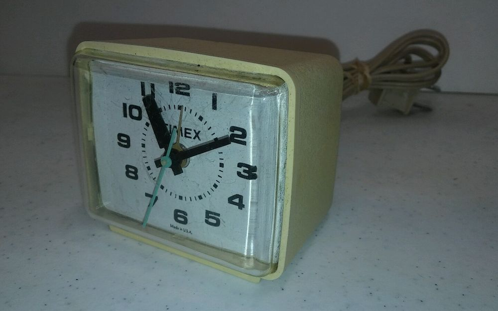 Vintage TIMEX Retro Electric Alarm Clock Model #7369A