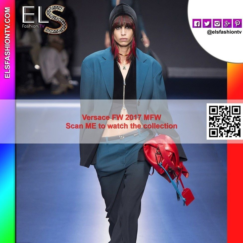 #Versace #mfw2017 fall winter Full Show HQ #photos #elsfashiontv https://goo.gl/DC1ebF #mfw #mfw17  Click on the above link or scan QR Code to enjoy the entire collection: 58 shoots! Register your email for daily update and to interact with us!. Model: @annaewers  #fashionweek #modamilano #glamour