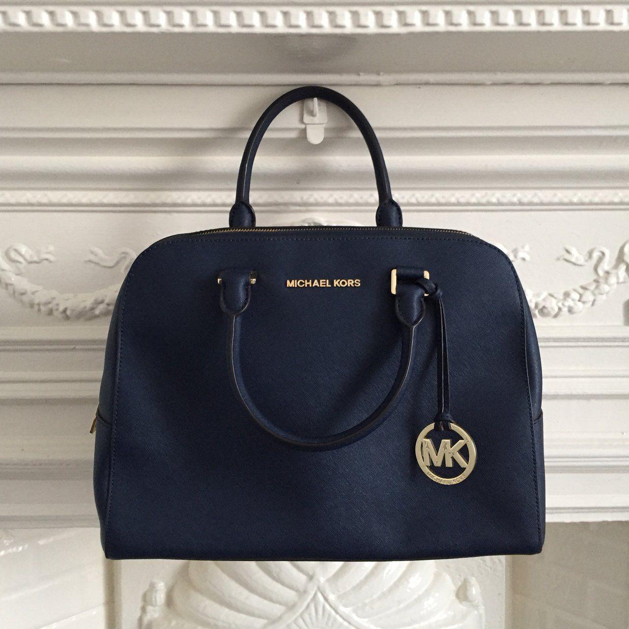 e3e4afe7090d MICHAEL KORS original navy 100% leather handbag/shoulder bag. Comes with a  detachable