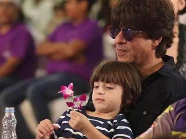 Shah Rukh Khan special post for AbRam Khan is all things