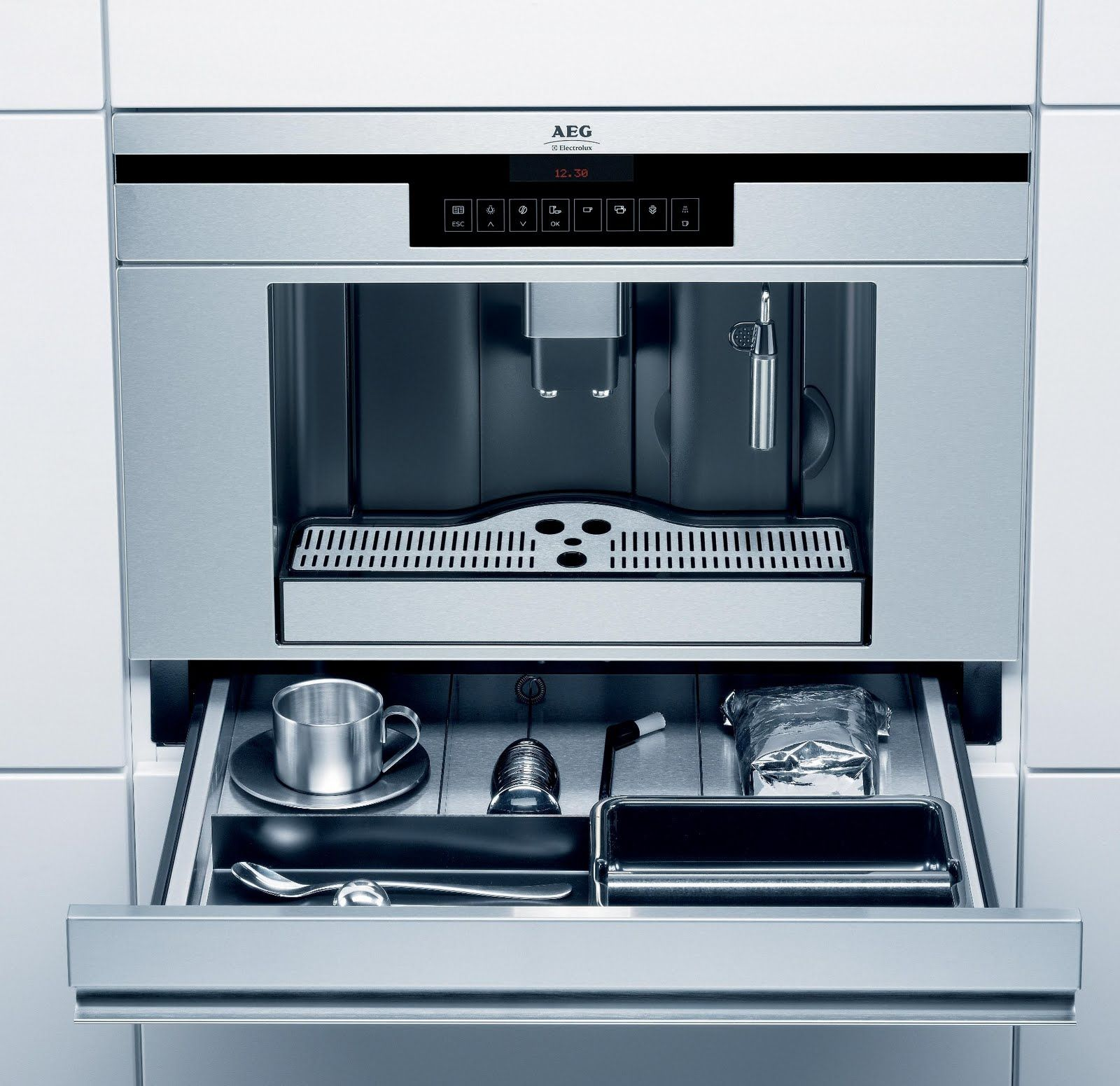 Medium image of aeg electrolux pe3810 m fully integrated coffee maker
