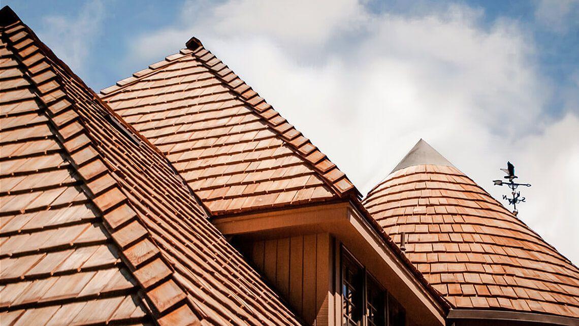 Custom cedar shingle residential roofing project