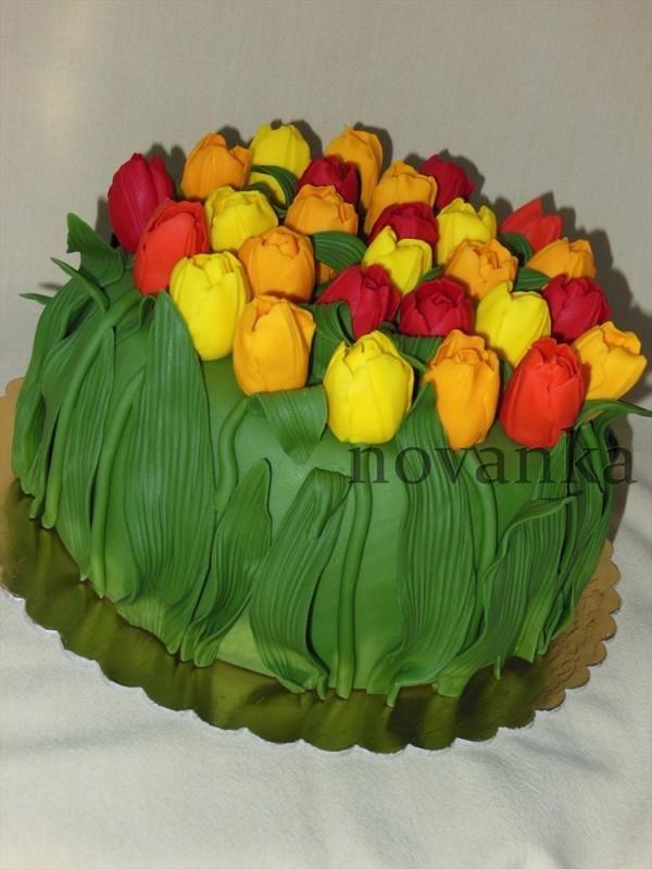 Torta s tulipánmi, Autor: novanka
