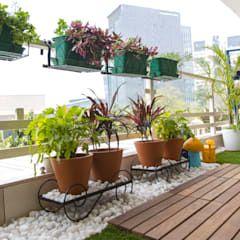 Photo of Balcony makeover – english country style balcony, veranda & terrace by studio earthbox country | homify