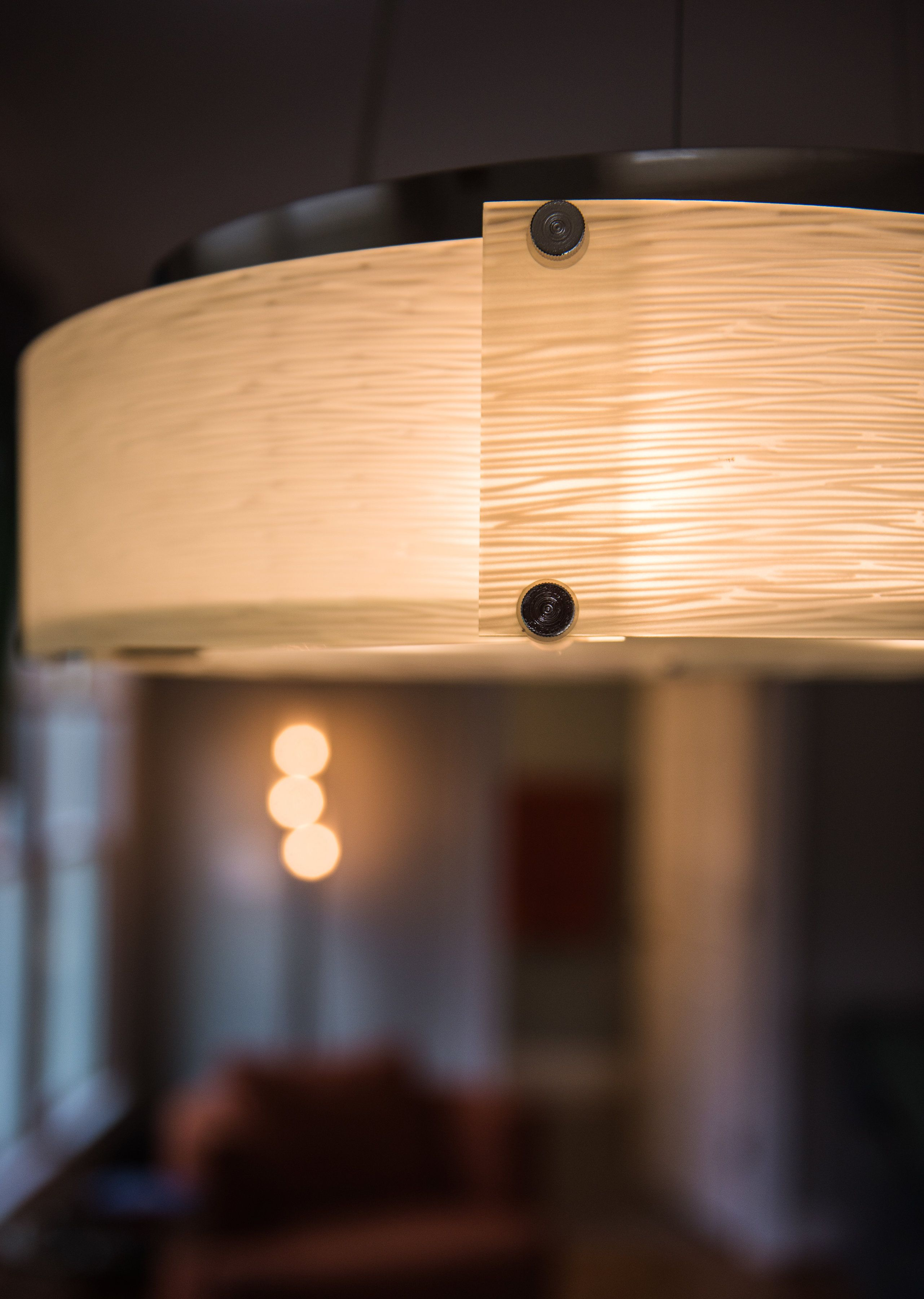 Game table light fixture