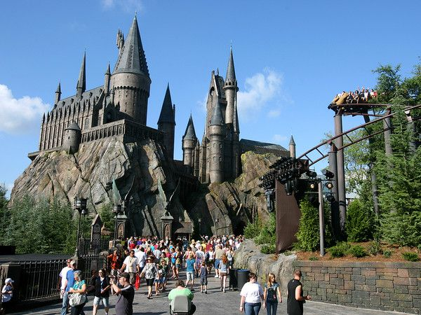 The Wizarding World Of Harry Potter Islands Of Adventure At Universal Studios Orlando Wizarding World Of Harry Potter Harry Potter Theme Park Wizarding World