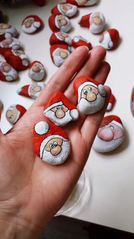 35 DIY Christmas Painted Rock Ideas - Bored Art