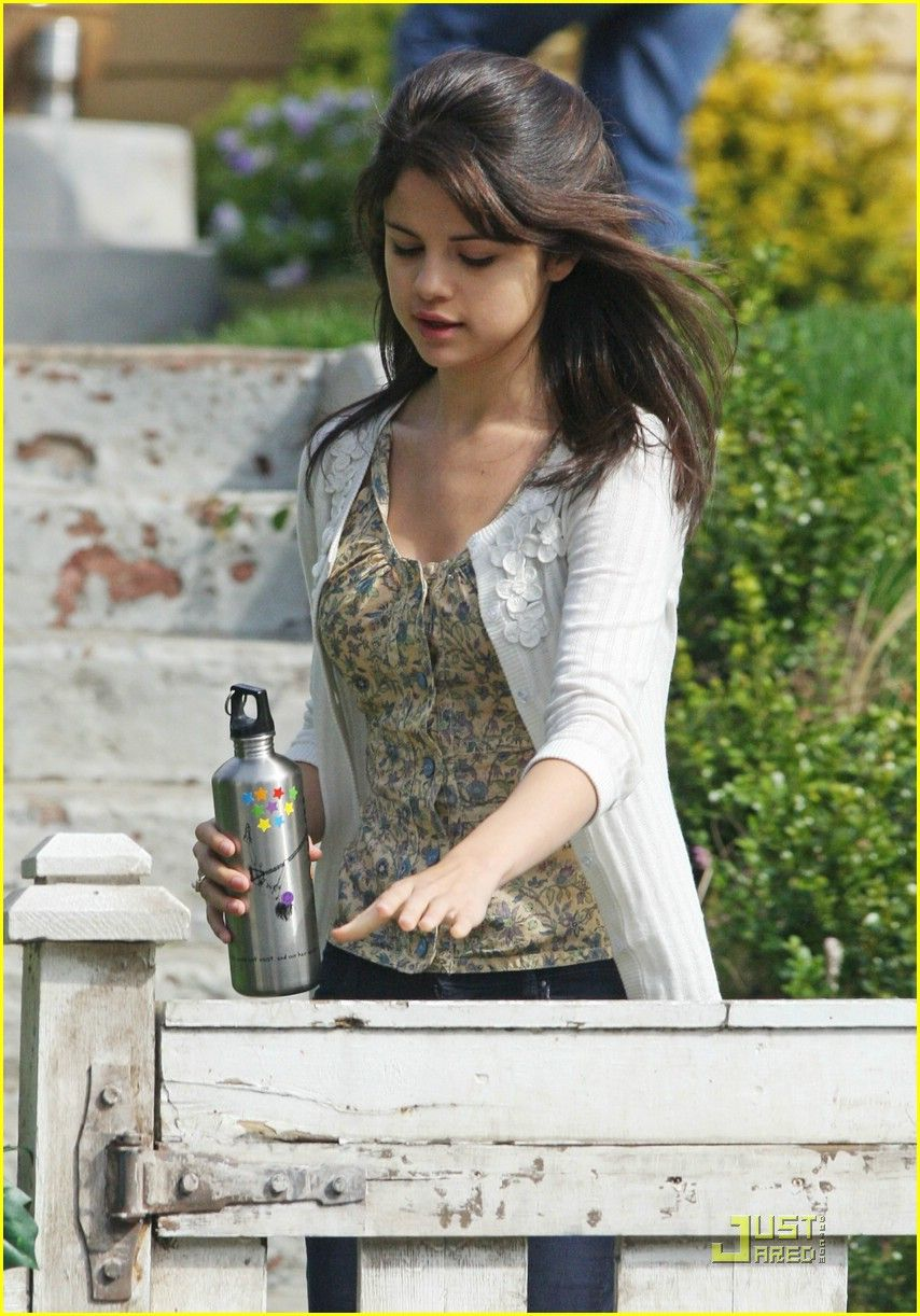 Selena Gomez on the set of Ramona and Beezus.