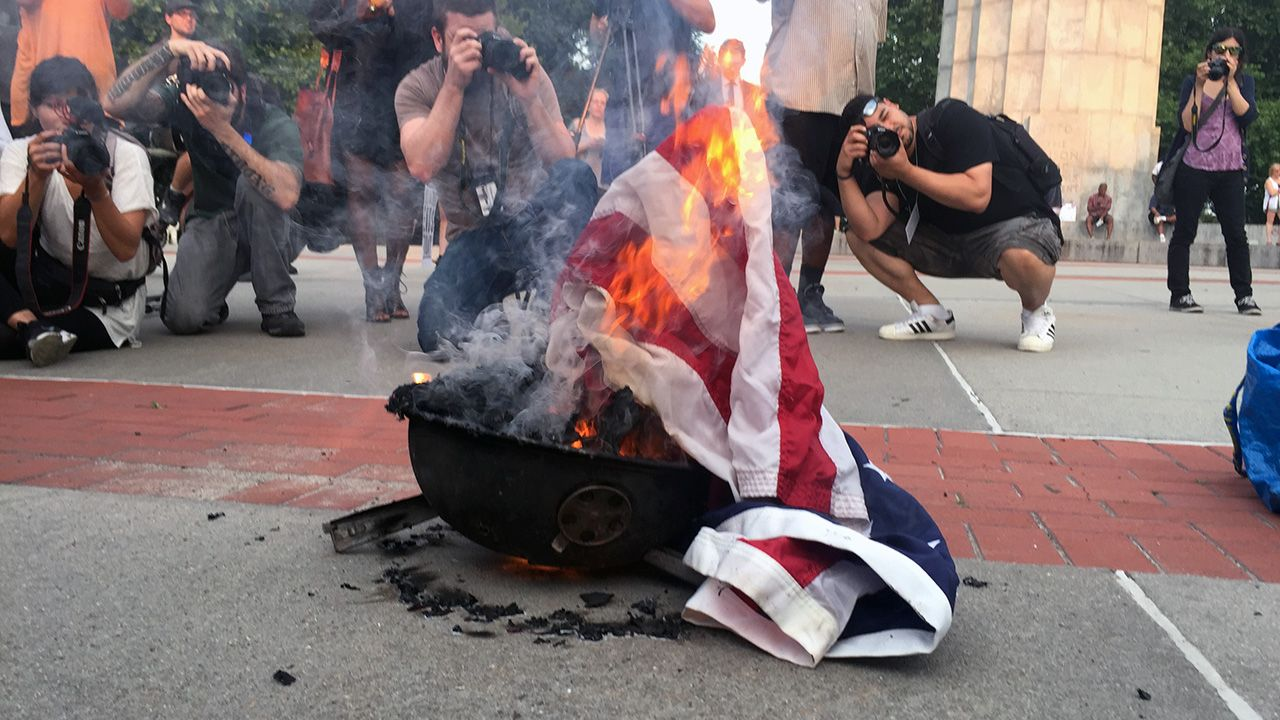 Burning The US Flag Should Be A Federal Crime