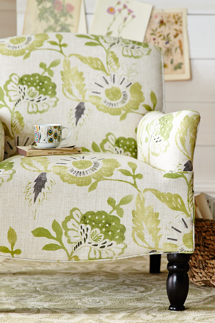 The Bold Overscaled Floral Pattern On Pier 1 S Friendly