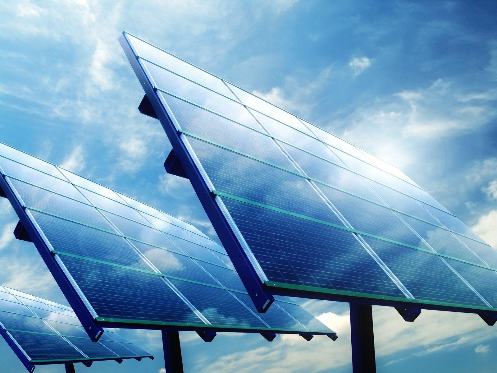 Solar Energy Statistics Data Average Solar Panel Size Needed To Power The Average Home 600 Sq Ft Solar Panel Installation Solar Panels Best Solar Panels