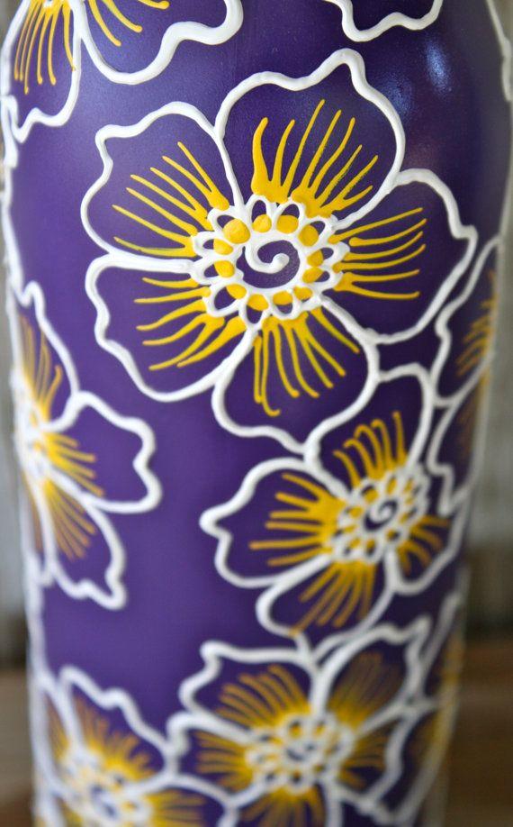Botella de vino pintada florero por ciclos púrpura por LucentJane