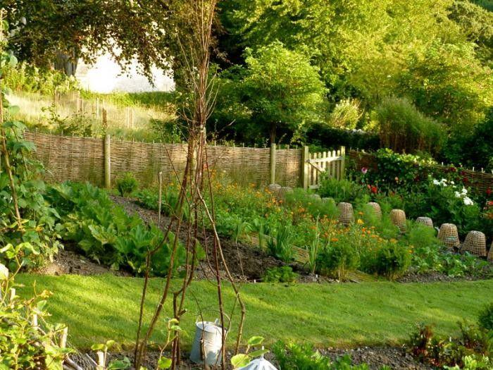700_remodelista-ben-pentreath-fall-garden-11