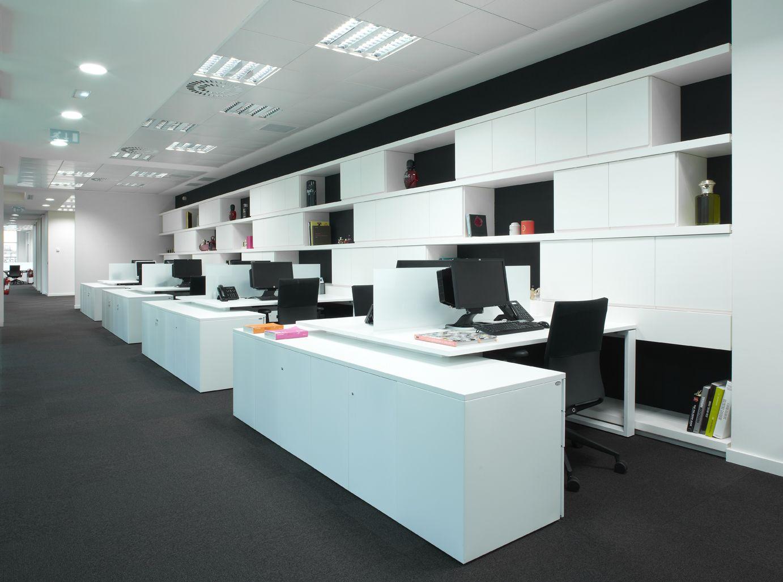 Oficinas de puig paris con mobiliario ofita representado en colombia por depanel