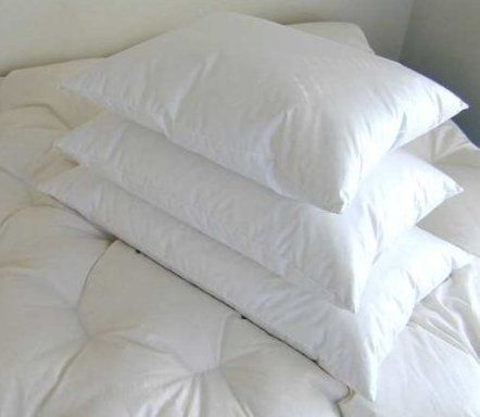 100% down pillow king size Bed