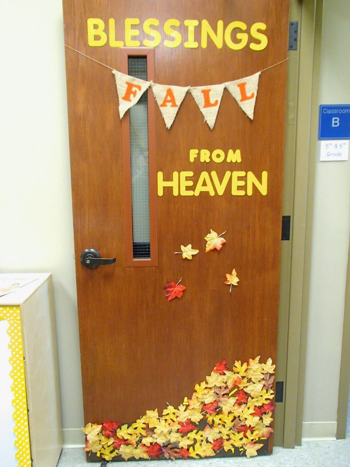 Fall decorations for classroom - Fall Classroom Door Decoration