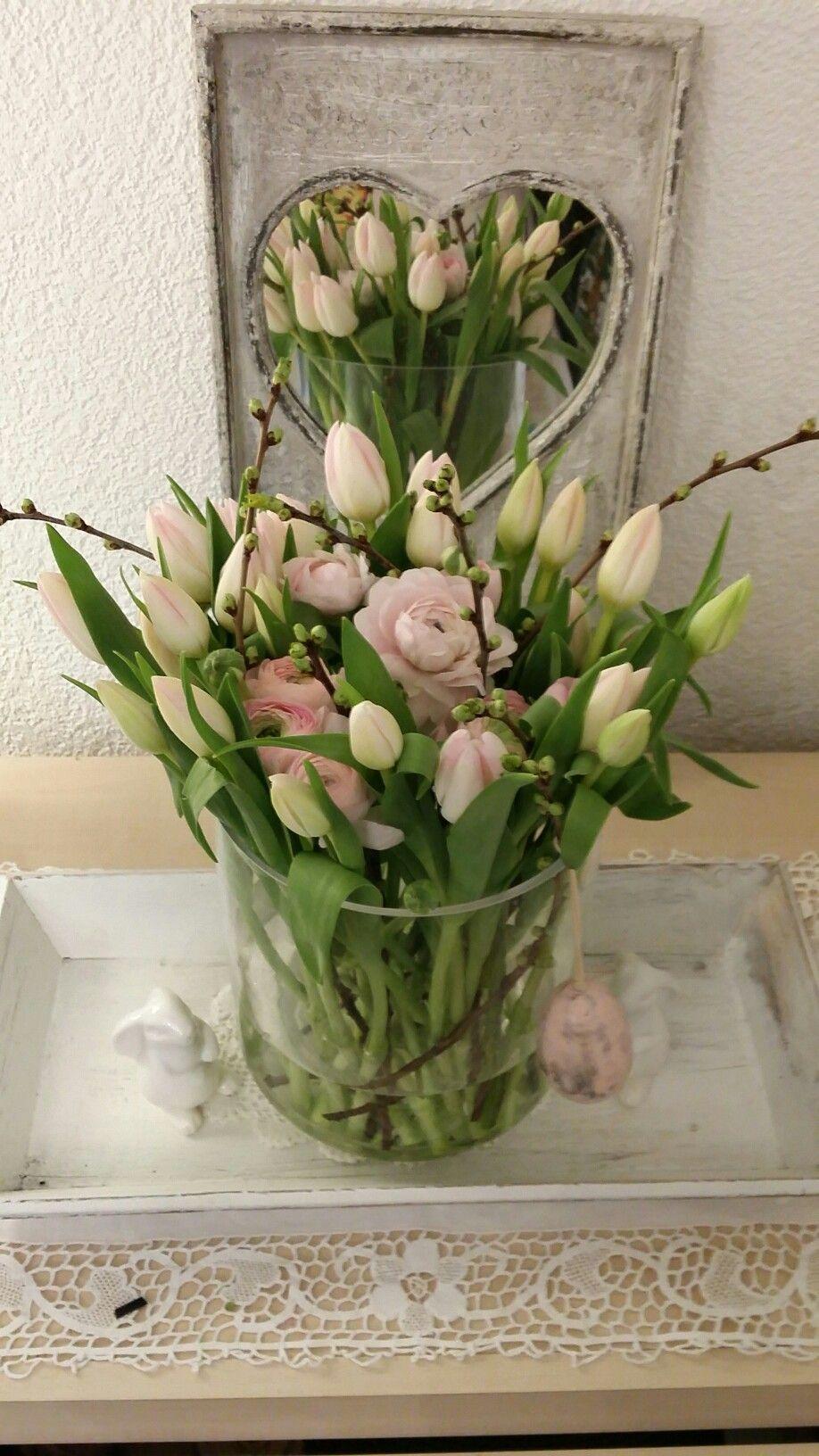 Pin Von Sarah Jane Moore Auf Velikonoce Blumenarrangements Dekoration Blumen
