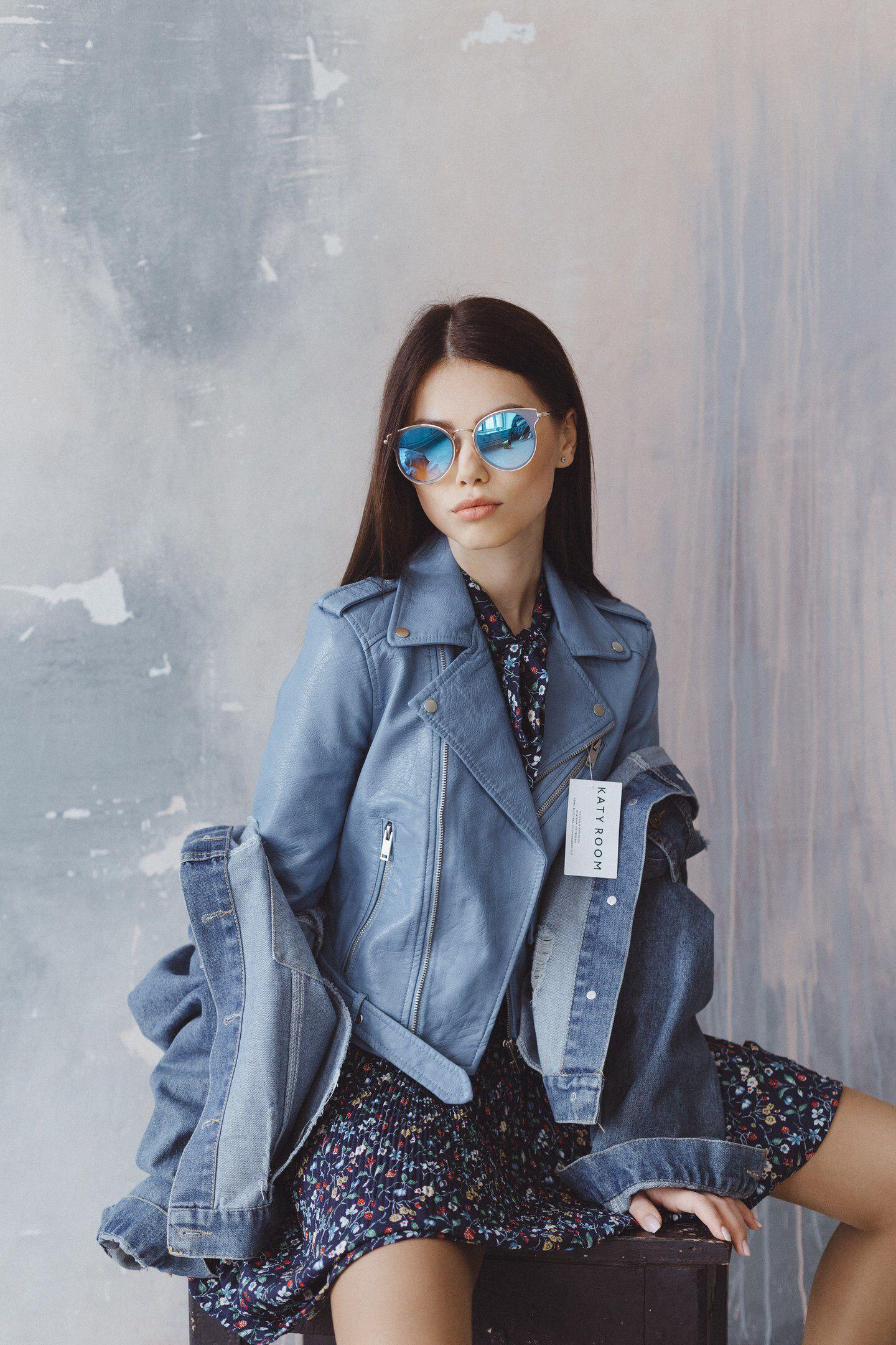 Девушка модель для фотосессии одежды модельное агенство ишим