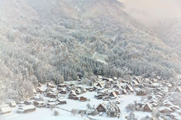 Shirakawa-go in heavy snow