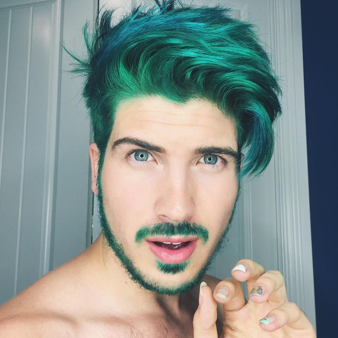 Swag Via Ig Joeygraceffa Well My Hair Is Green Now Thanks Guy Tang For The Merman Look See The Transformatio Men Hair Color Hair Styles Green Hair