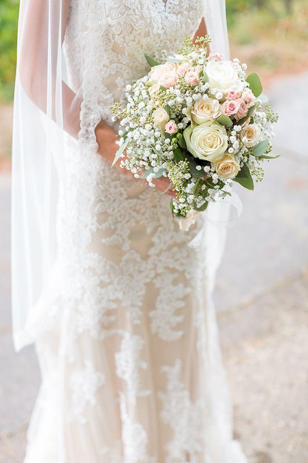 Atemberaubendes Brautkleid mit Spitze und Eukalyptus Brautstrauß – Vintage … …