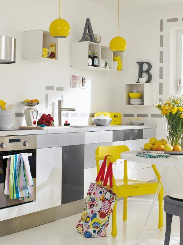 Küche gelb, grau + weiß = Frischekick für die Küche