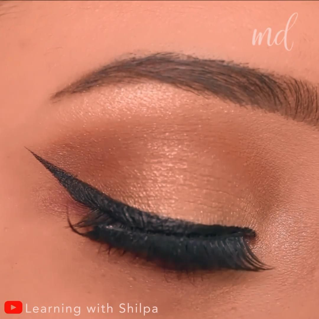 Learn how to apply simple eyeshadow & winged eyeliner in one place!       By: @learningwithshilpa
