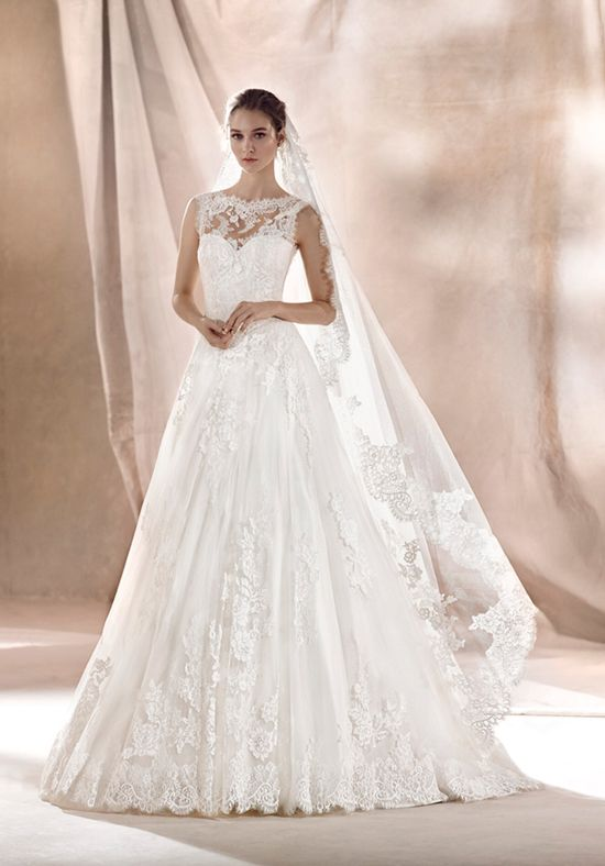 Beautiful princess wedding dress with a sweetheart and crew neckline ...