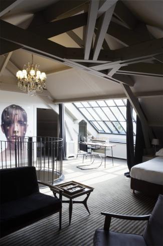 #HotelParticulierMontmartre # Paris #MoreMagazine