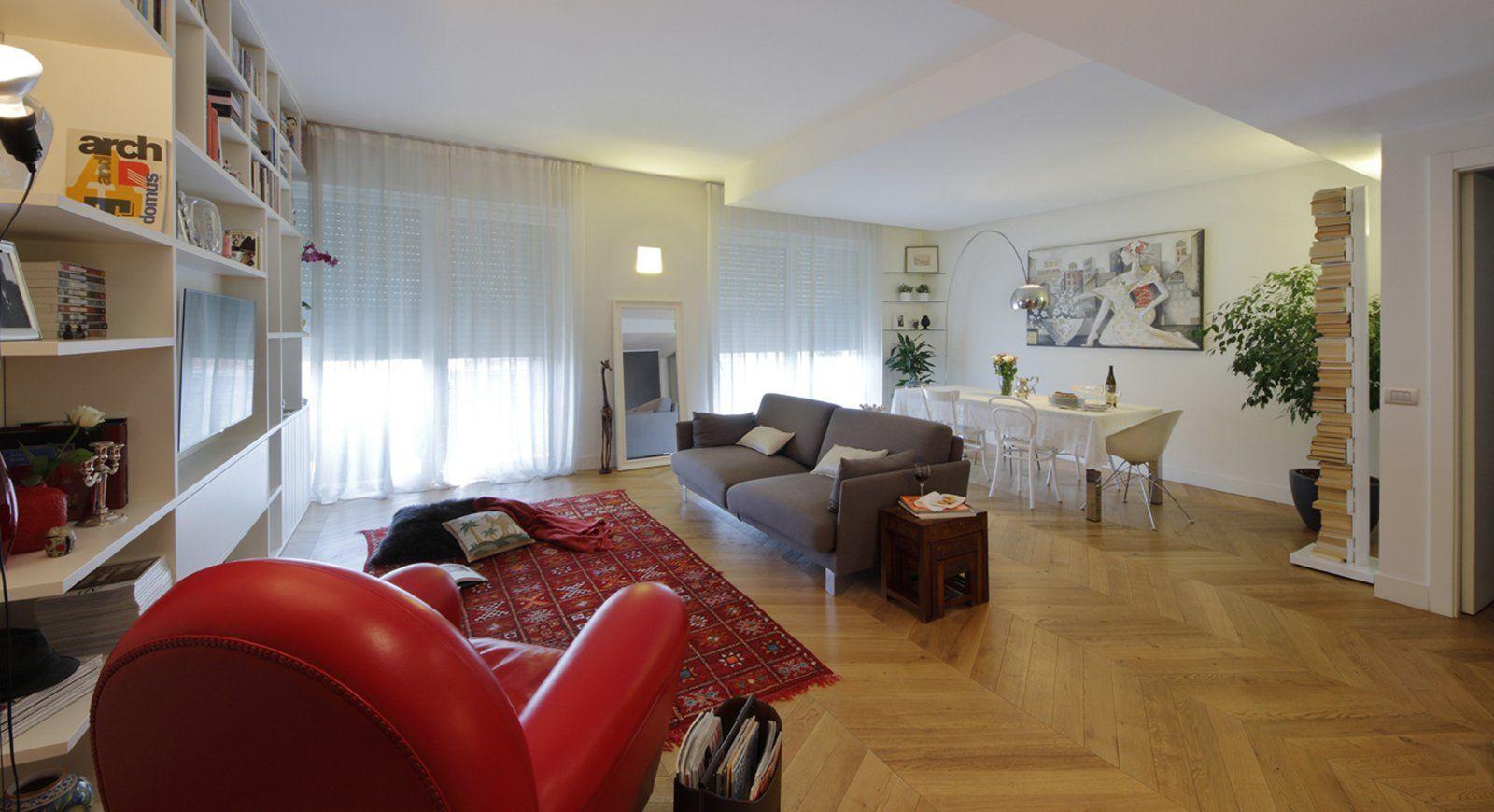 Cucina Soggiorno Stretta E Lunga 130 mq: soggiorno doppio e cucina separata per la casa con