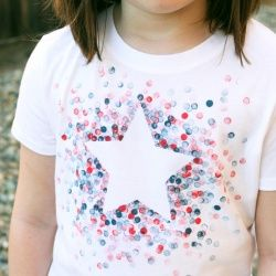 Make this adorable 4th of July shirt using freezer paper and a pencil eraser!
