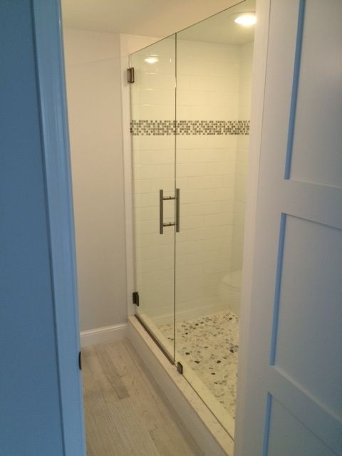 Jupiter contractor wood-like floor tiles & shower | Shower ...