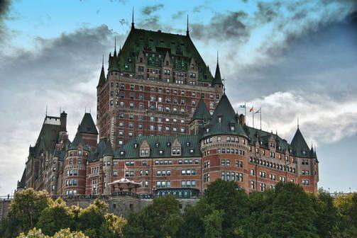 Chateau Frontenac rakennettiin palvelemaan matkustajia, kun Kanadan rautatieliikenne alkoi vilkastua.
