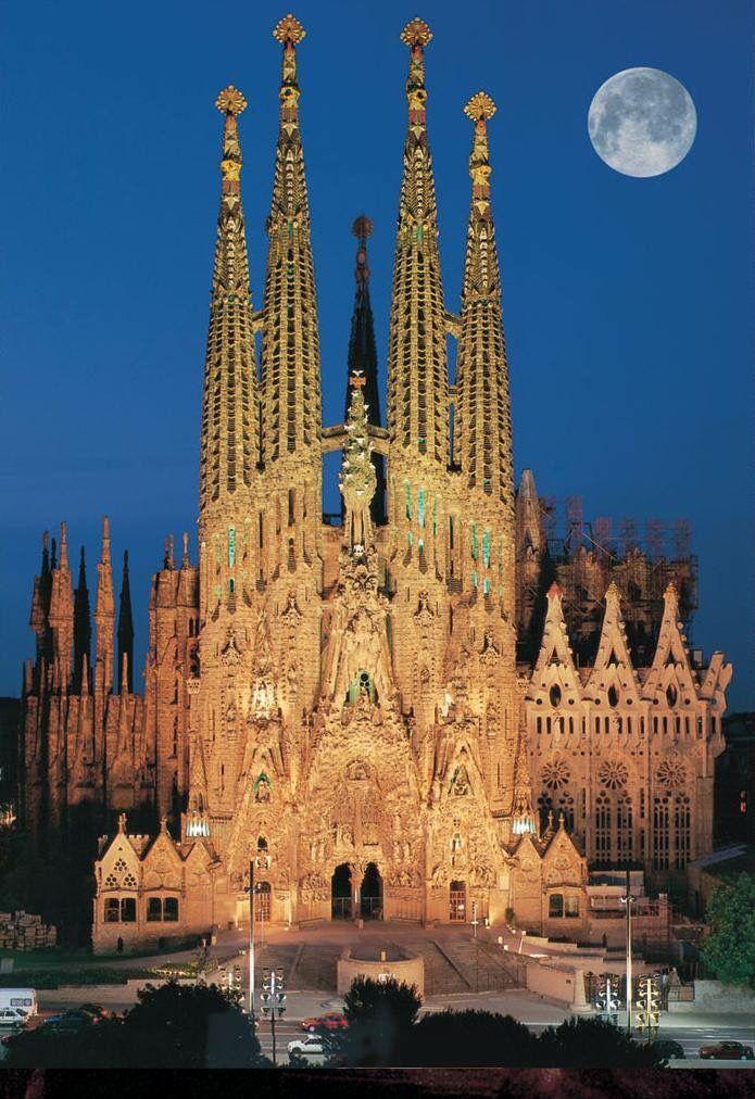 catedral de la sagrada familia espaa la sagrada familia es una gran baslica catlica
