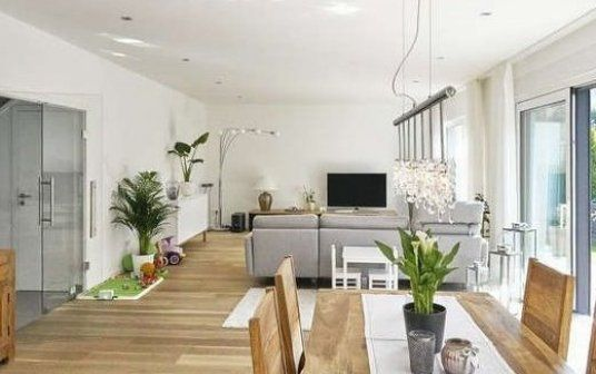50 m   Wohn- und Essbereich  Ein Traum f  r jede Familie  #homedecordiy #classichomedecor #homedecorideas #homedecorwall #homedecorluxury